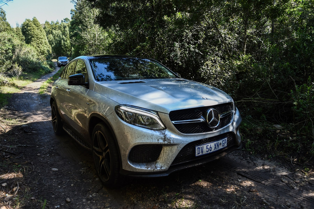 Shoot Out Bmw X6 Vs Mercedes Benz Gle Coupe Leisure Wheels