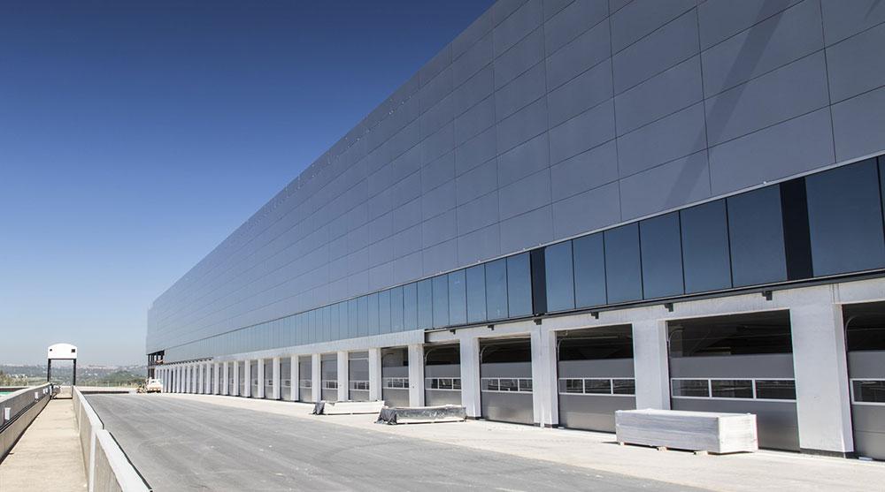 9-kyalami-pit-building-new-roller-doors_1800x1800