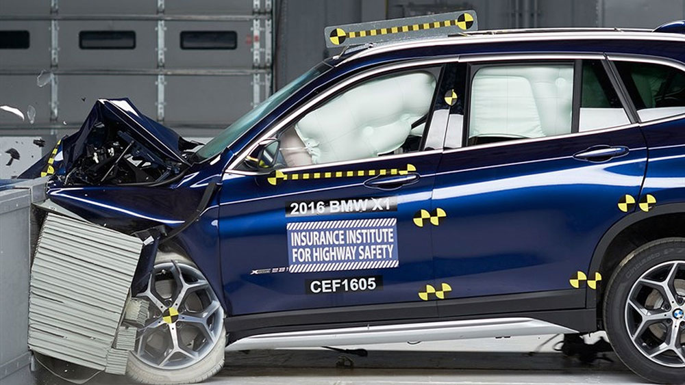 2016-bmw-x1-qualifies-for-iihs-top-safety-pick-