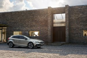 015 New Volvo V40 Cross Country