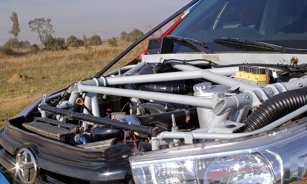 _Toyota-Hilux-V8-04