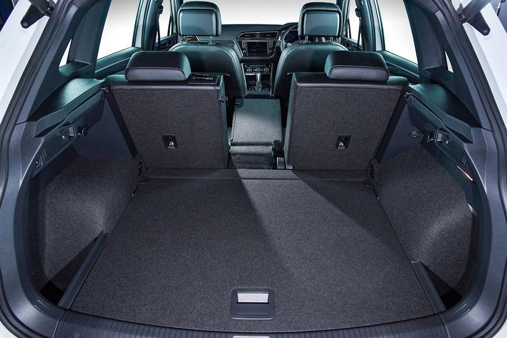 new-tiguan-interior_005_1800x1800(1)