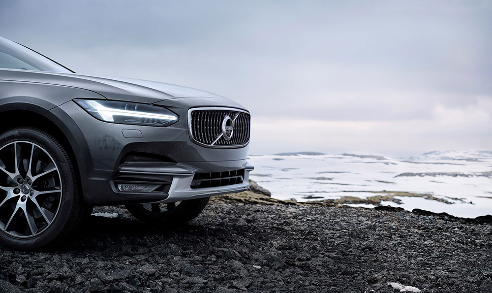 new_volvo_v90_cross_country_detail_1800x1800