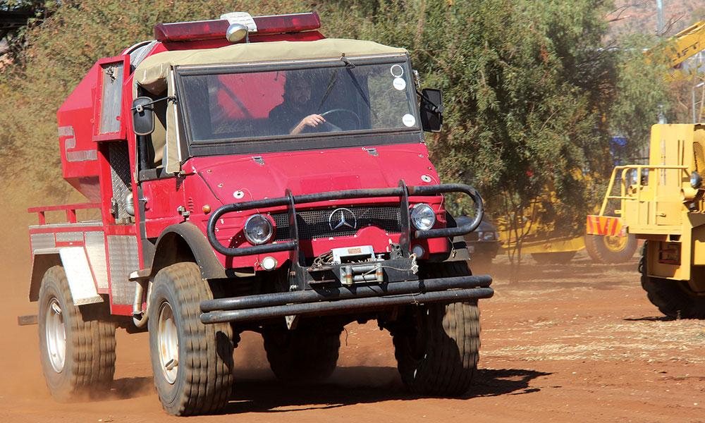 Retro Drive Mercedes Benz Unimog 406 Leisure Wheels
