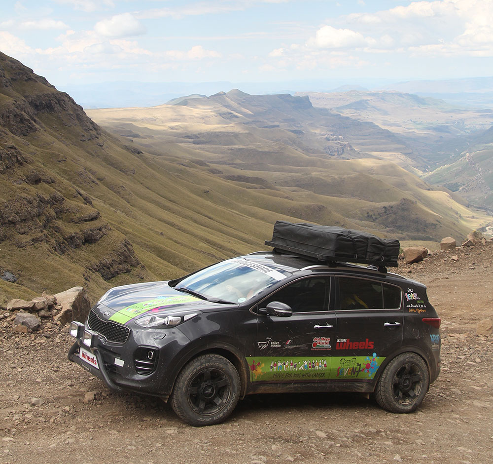 all new kia sportage travels through africa in aid of. Black Bedroom Furniture Sets. Home Design Ideas