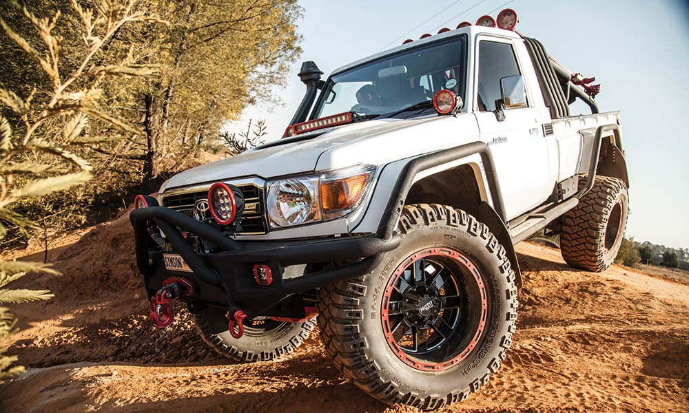 toyota-lc-79-pick-up-jeep-wrangler-rubicon-03