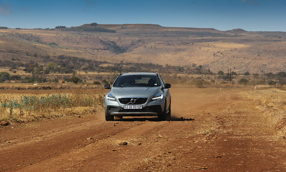 _volvo-v40-cross-country-10