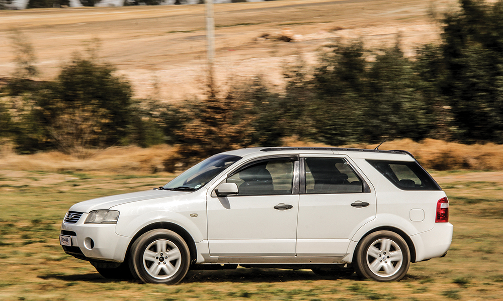 2005-ford-territory-4-0-tx-at-01