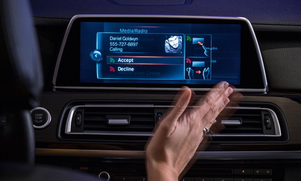 in-car-entertainment-05