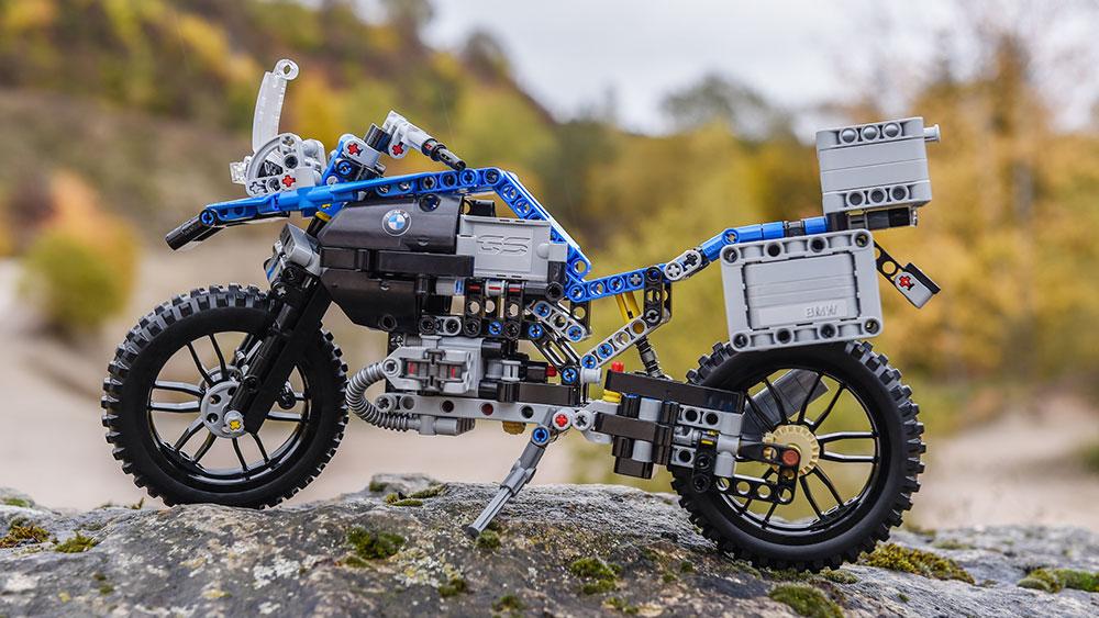 lego-technic-bmw-r-1-2