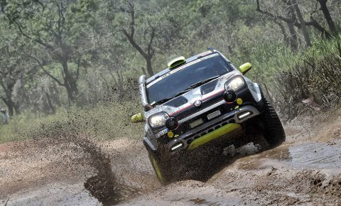 Fiat panda conquers the desert in the dakar 2017 leisure for Panda 4x4 extreme