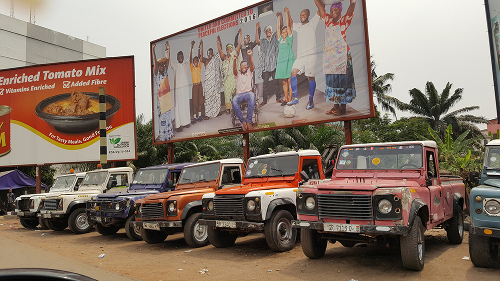 Accra, capital of Ghana: Tough old Land Rover Defenders are still used as breakdown tow vehicles.