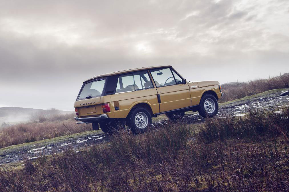10 classic range rovers to be restored leisure wheels. Black Bedroom Furniture Sets. Home Design Ideas