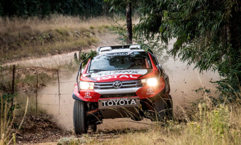 Giniel de Villiers and Rob Howie win opening round of 2018 SACCS
